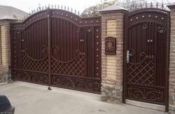 Двери и ворота под ключ
